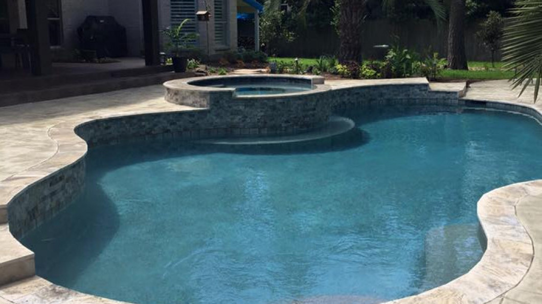 Install a Brand-New Pool in Your Yard